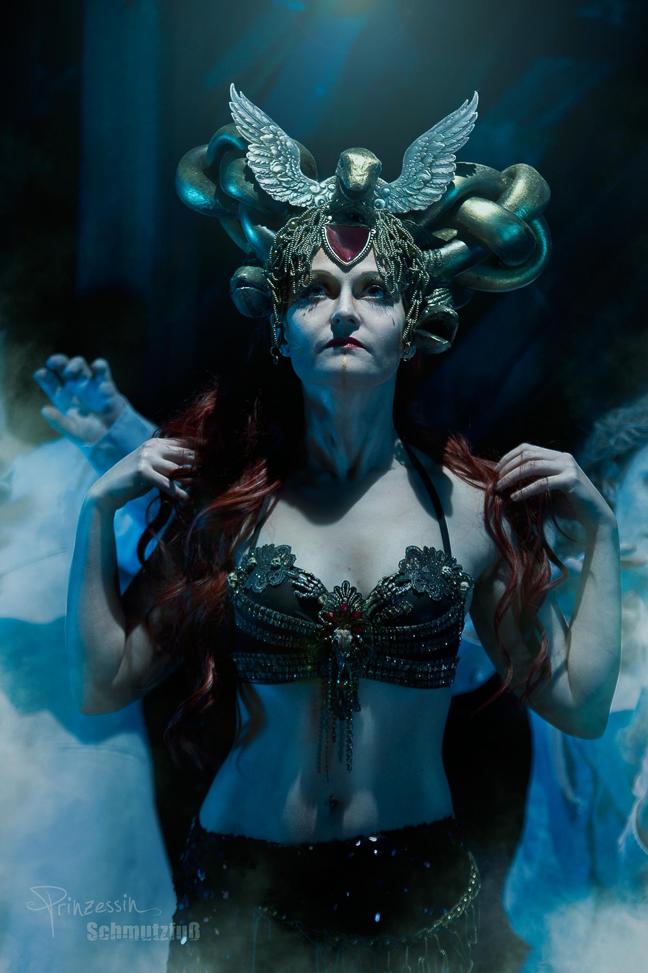 Kalendershooting | Medusa | Beatrice Baumann