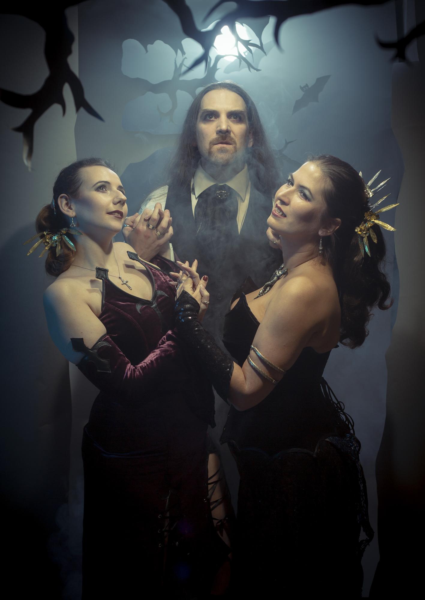 Kalender | Scherenschnitt | Vampire | Anke, Horatio Hatter und Annabelle Lee