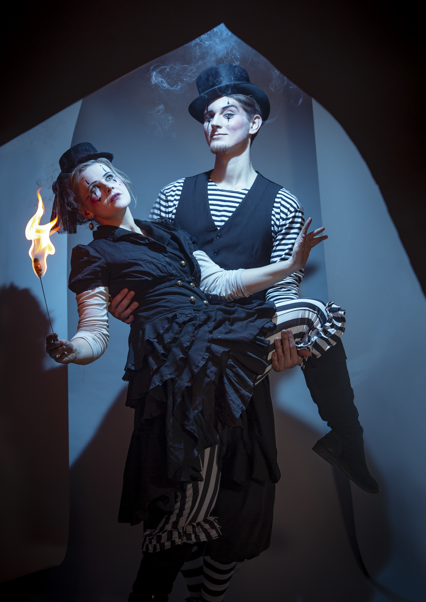 Kalendershooting | Scherenschnitt | Cirque | Eike | Selbstportrait
