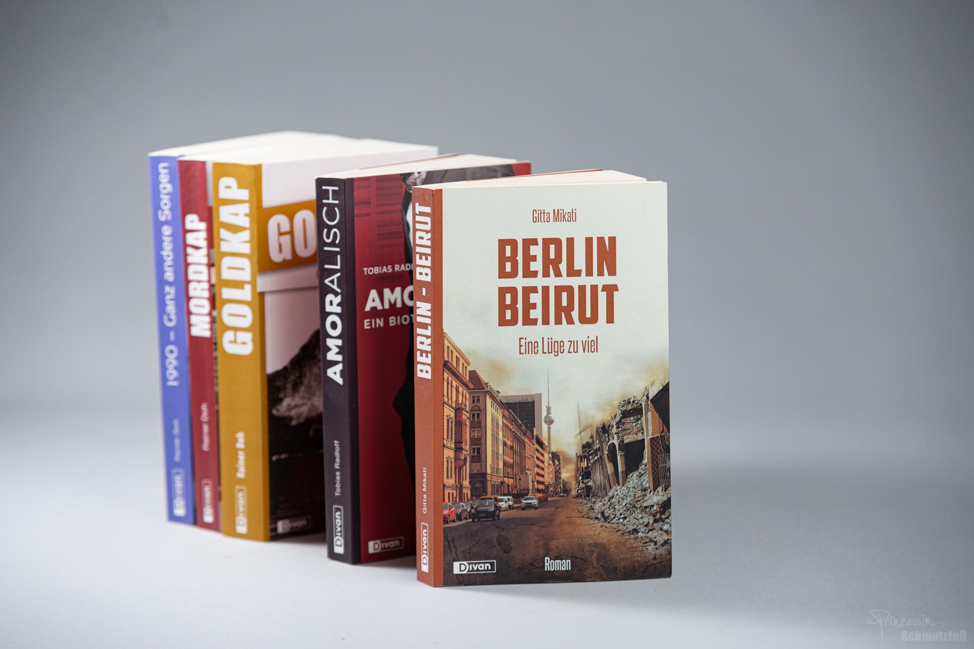 Buchcovergestaltung | Fotorecherche | Fotoretusche | Buchsatz | Divan Verlag