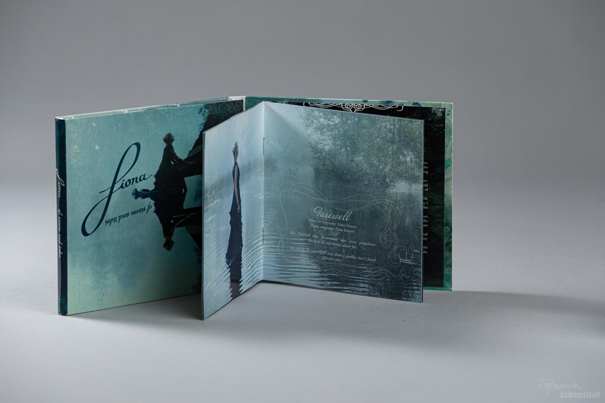 Textsatz Booklet | Einbindung von Grafiken von Donna Tinta | of rivers and tides