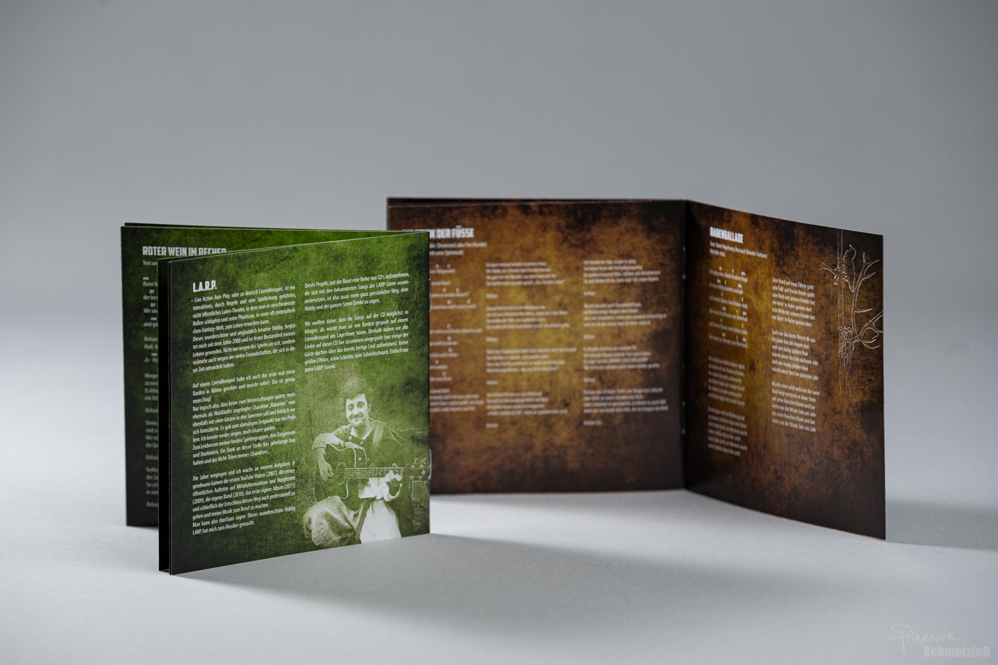 Bookletgestaltung | Textsatz | Fotos auf Cover und im Booklet von Stefan Marchard und Moritz Jendral | Sören Vogelsang LARP