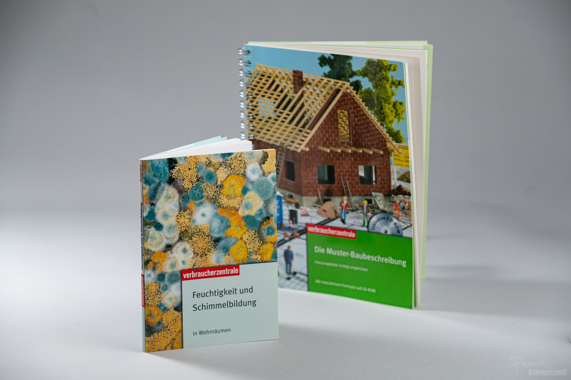 Textsatz | Textkorrektur | Umsetzung diverser Ratgeber unter Verwendung eines vorgegebenen CDs | Verbraucherzentralen | Anstellung bei da vinci design
